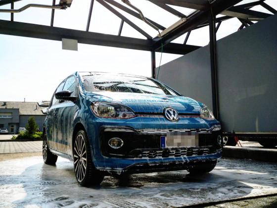 VW UP TSI beats